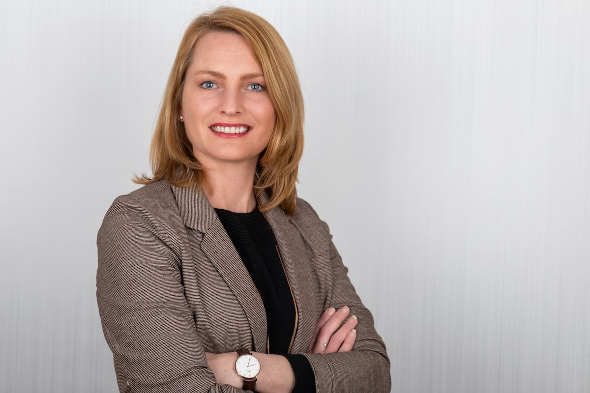 Angelika Benzer